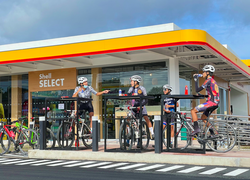 The Site of the Future promotes inclusive mobility and active transportation with areas dedicated to cyclists who stop by the popular tourist and business area.